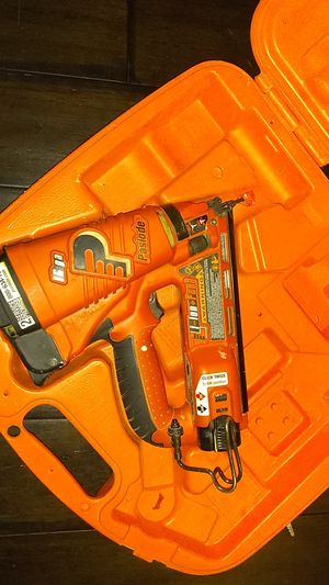 Paslode 902400 Cordless Angled Finishing Nailer for Sale in Philadelphia, PA