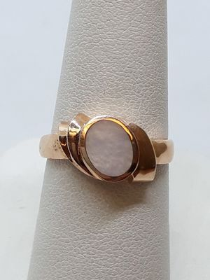 14k Rose Gold Mother of Pearl Ring 3.1 grams size 6.5 for Sale in Fort Pierce, FL