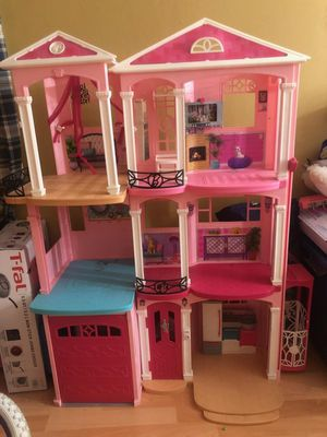 Barbie dreamhouse for Sale in Lake View Terrace, CA