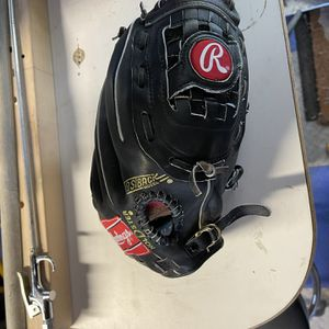 Baseball Gloves for Sale in Vacaville, CA