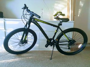 BRAND NEW!! SCHWINN PROFESSIONAL MOUNTAIN BIKE for Sale in Hollywood, FL