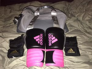 Adidas Women's Boxing Gloves with Accesories for Sale in Freeport, NY