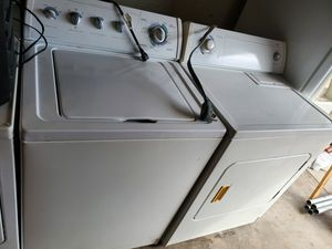 Beautiful working whirlpool washer and dryer set for Sale in Orlando, FL