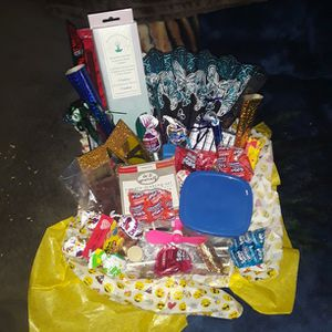 customizable gift baskets for Sale in Chico, CA