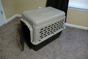 Dog kennel 40-50lbs for Sale in St. Louis, MO