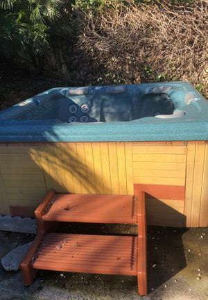 Free hot tub for Sale in Carlsbad, CA