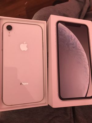 iPhone XR for Sale in Coffeyville, KS