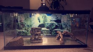 "36x19""inch Ideal Reptile Tank With LED and Accessories. for Sale in Silver Spring, MD"