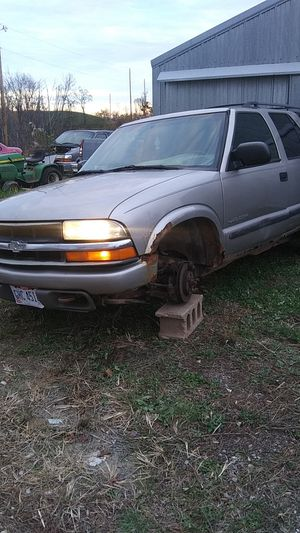 04 chevy Blazer for Sale in Beallsville, OH