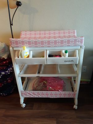 Baby organizer/changing table/ bath tub for Sale in North Las Vegas, NV