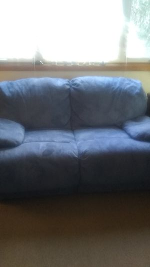 Love seat and recliner for Sale in Greenwich, CT