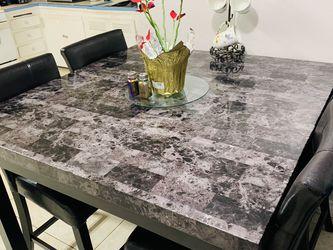 Marble Dining Table for Sale in San Bernardino,  CA