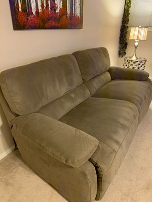 Power recliner couch for Sale in Bellevue, WA