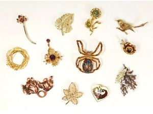 Lot of (12) Vintage Sparkling Fall Autumn Leaves Nature Animals Brooches Pins for Sale in Kent, WA