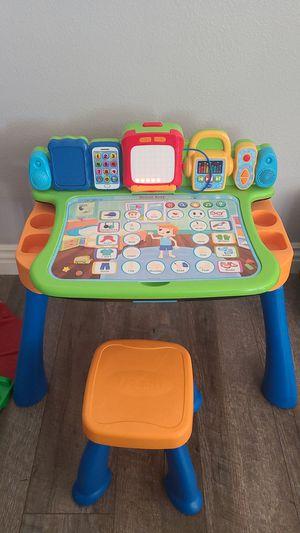 Vtech Ready Set Learn Desk for Sale in Montclair, CA