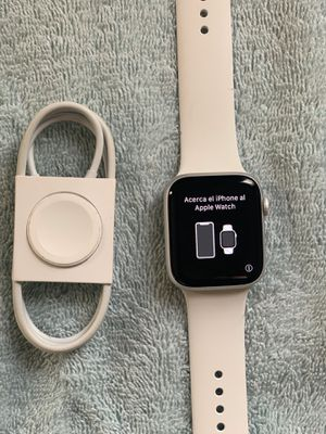 Apple Watch Series 5 Silver 44MM PLEASE READ for Sale in East Lansdowne, PA