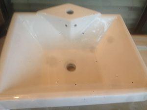 Nuevo lavamanos for Sale in Garland, TX