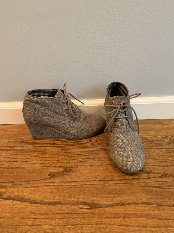 TOMS lace up wedges Size 7.5