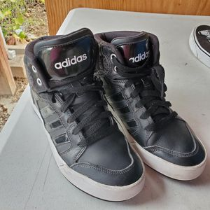 Adidas shoes Women's 7 for Sale in Aurora, CO