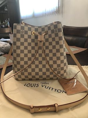 LouisVuitton Pink for Sale in Providence, RI