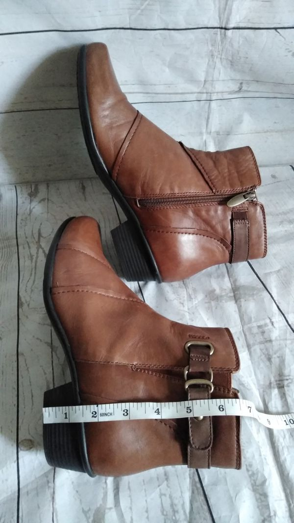 Beautiful Earth Boots , women's size 9 ( excellent condition )