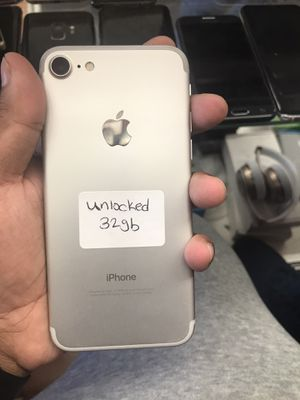 iPhone 7 32gb unlocked for Sale in New York, NY