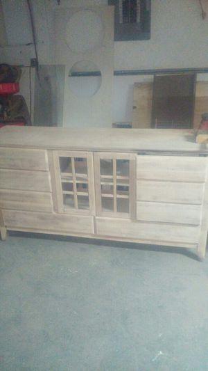 Malibue 5 piece bedroom set for Sale in Nicholasville, KY