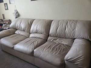 White leather couch for Sale in Peoria, AZ