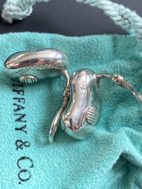 Perretti bean clip earrings
