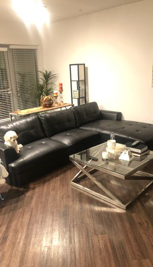 Black sectional couch for Sale in Los Angeles, CA