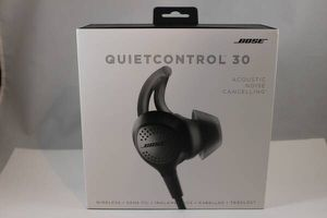 Bose QuietControl 30 Neckband Wireless Noise Cancelling Headphones Black with box for Sale in Alexandria, VA