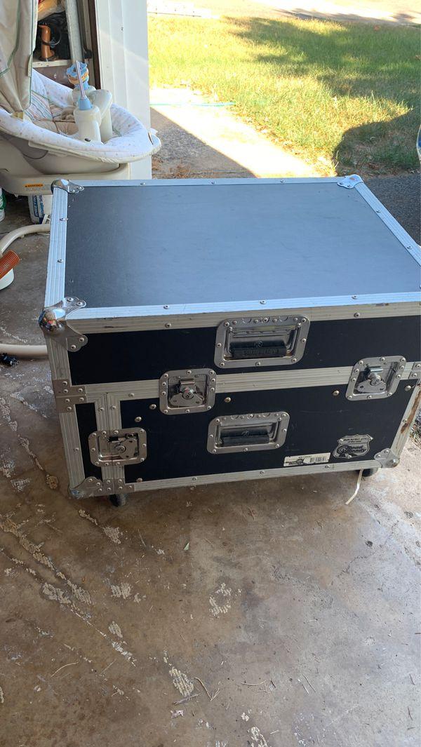 Road Ready RR12M4U Mixer Rack