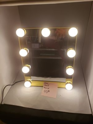 9 LED Hollywood Mirror for Sale in Friendswood, TX