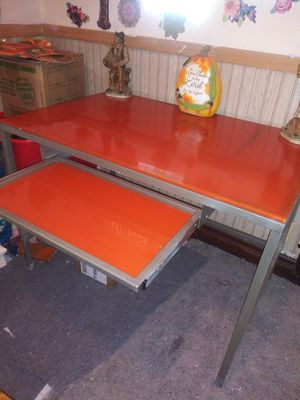Computer table for Sale in Chicago, IL