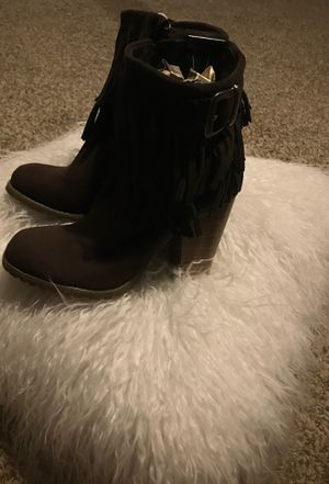 New brown suede (boots fringes) emptying out closet for room sz 7 for Sale in Pembroke, MA
