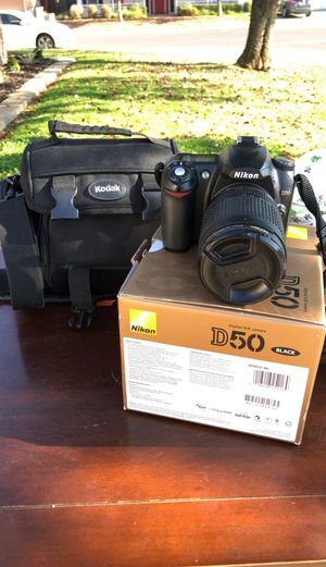 Nikon DSLR D50 camera (w/bag and 135mm lens) for Sale in West Sacramento, CA