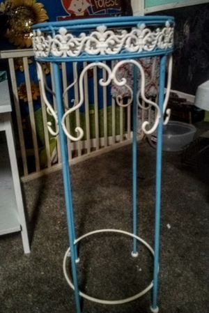 Vintage handpainted plant stand small table for Sale in Murfreesboro, TN