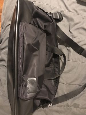 travel bag (Calvin Klein) for Sale in Hastings, NE