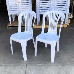 """$20 (new) set of (2pcs) Stacking Plastic Chair Outdoor Patio Furniture Chairs 17x19x34"""" for Sale in El Monte,  CA"""