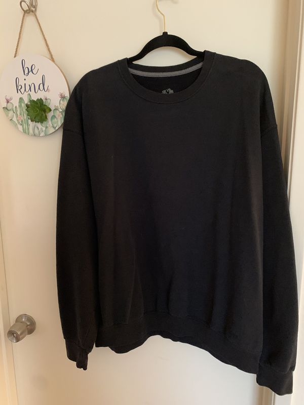 Lot 2 - Women's Sweatshirts and Sweatpants - 8 pieces
