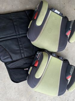 FREE 2 Graco Booster Seats And Seat Protector for Sale in Hillsboro,  OR