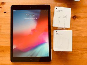 IPad Air 16Gb WiFi + cellular unlocked for Sale in Hialeah, FL