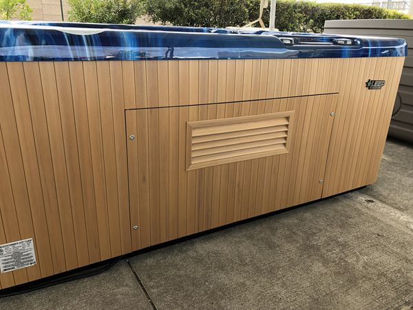 Hot tub liquidation Grand Parkway Marketplace