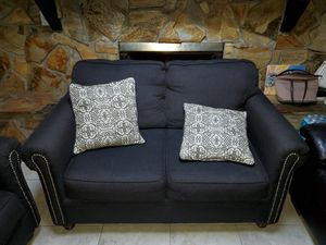 Love seat and sofa for Sale in Kissimmee, FL