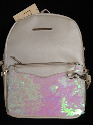 Perfect Image New York cross-grain sequins backpack for Sale in Costa Mesa, CA