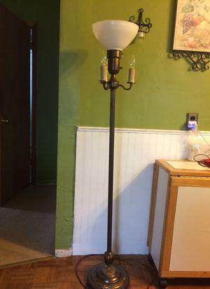 Floor lamp for Sale in Saint Ann, MO
