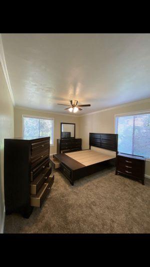 Full queen bedroom set for Sale in Chula Vista, CA