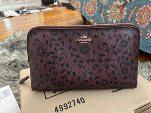 Coach make up bag for Sale in Annandale, VA