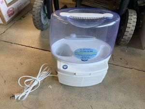 Holmes HM1200 Room Humidifier for Sale in Hillsboro, OR