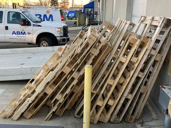 Pallets for Sale in Columbus,  OH